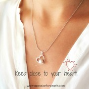 valentine love hear pearl necklace