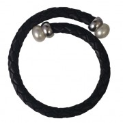 black leather and pearls bracelet