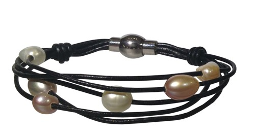 leather & pearl bracelet
